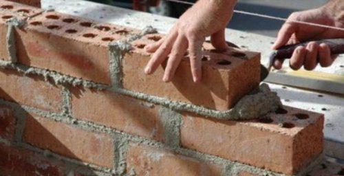 Nick Luciani ha fatto anche il muratore. E sticazzi.